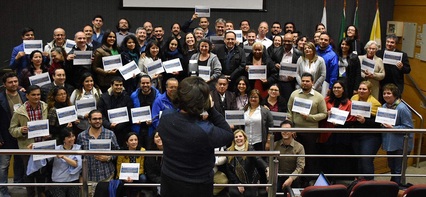 60 enseignants latino-américains diplômés en créativité