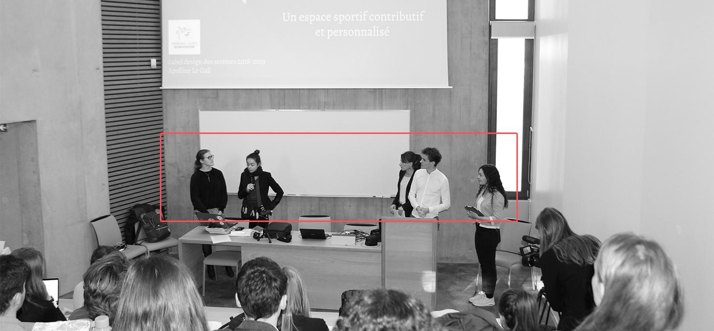 Les étudiants présentent leurs projets de design de service