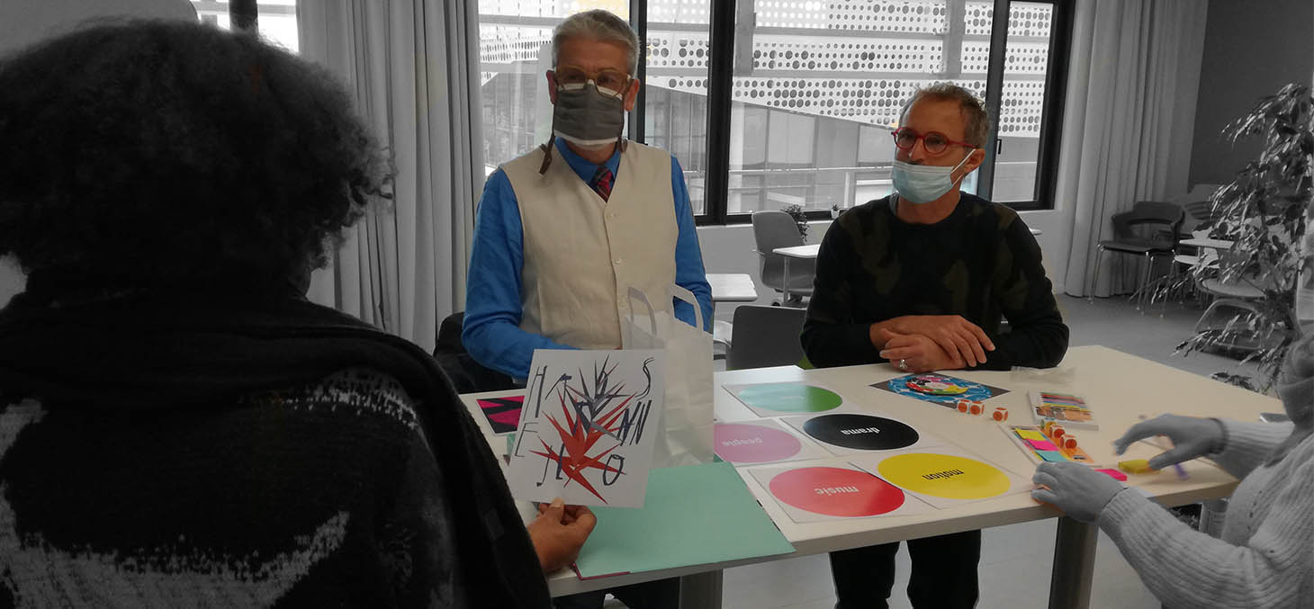 Présentation de la boîte à outils de l'étudiant chorégraphe Bao Bao par Yvez Riazanoff et Bruno Poyard